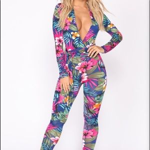 Fashion Nova Floral jumpsuit NWT